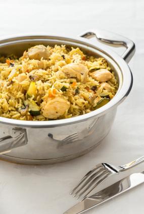 Rīsu, vistas un rudens dārzeņu sautējums alū