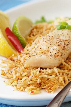 Zivs fileja rīsos ar paštaisītu zaļā karija pastu
