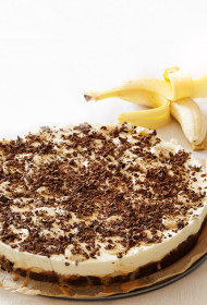 Iebiezinātā piena un banānu kūka
