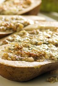 Ar Gorgonzolas sieru un valriekstiem pildīti bumbieri