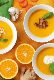 Košā burkānu apelsīnu zupa