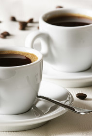 Aukstā kafija ar medu un laima sulu
