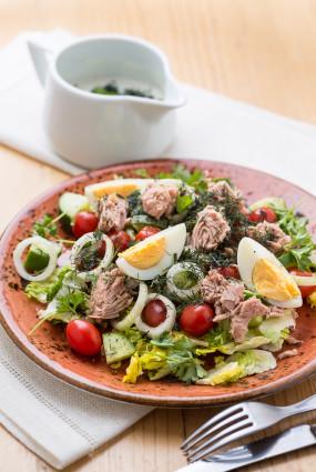 Pavasara tunča salāti