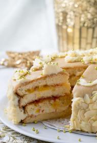 Citrusaugļu un baltās šokolādes biskvīta torte