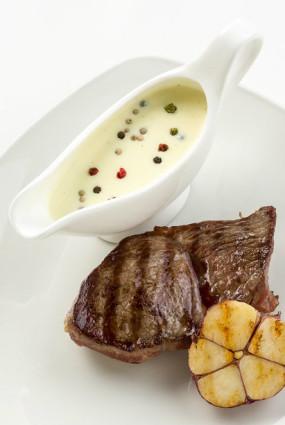 Karstā piparu mērce steikam