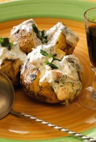 Folijā cepti kartupeļi ar laša mērci