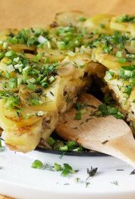 Sēņu un kartupeļu kūka