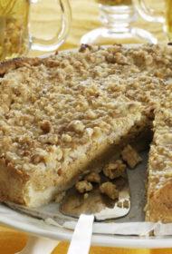 Ķirbju pīrāgs riekstu cukura glazūrā