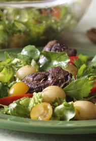 Siltie vistu aknu un kartupeļu salāti ar balzametiķa mērci