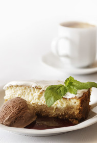 Saldais skūpsts saulrietā (siera kūka)