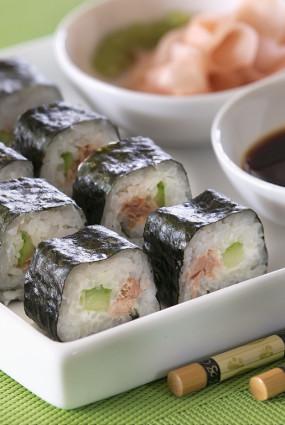 Suši ar tunci un gurķi