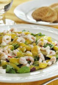 Garneļu salāti ar mango vai magoņu mērci