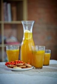 Smiltsērkšķu karstais dzēriens ar timiāna cepumiņiem