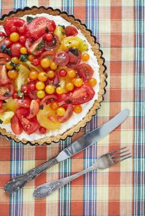 Tomātu un rikotas siera tarte