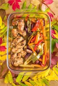 Krāsnī cepta balzametiķa vistas fileja ar dārzeņiem