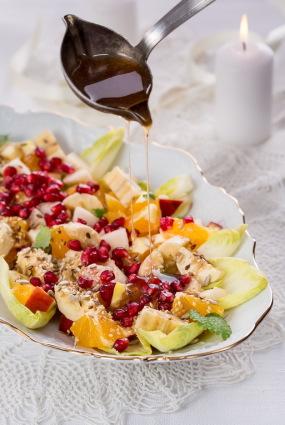 Perfekti Ziemassvētku cigoriņu un augļu salāti