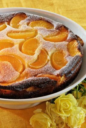 Maskarpones siera kūka ar persikiem