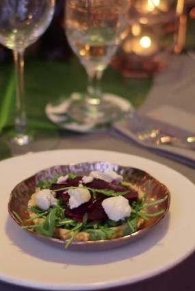 Salāti siera mīklas groziņā