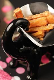 Paštaisīti vistas nageti ar saldo kartupeļu frī