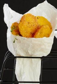 Fritēti saldie kartupeļi tempuras mīklā
