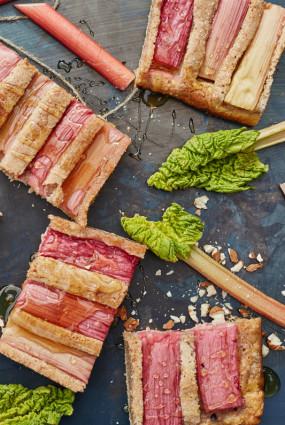 Rabarberu un mandeļu plātsmaize
