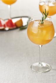 Sarkano apelsīnu un rozmarīna limonāde