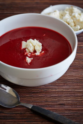 Biešu zupa ar olu