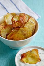 Mājās gatavoti kartupeļu čipsi