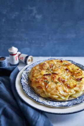 Klasiskais kartupeļu gratin dauphinois