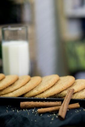 Ātri un viegli pagatavojamie kanēļa un cukura cepumi
