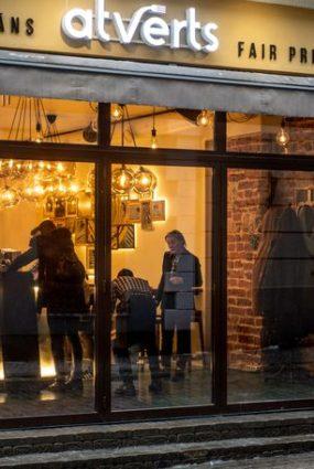 """Rīgā 1.februārī durvis vērs nebijuša koncepta restorāns – godīgas cenas restorāns """"ATVĒRTS"""""""
