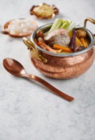 Boeuf à la ficelle jeb buljonzupa ar vārītu liellopu gaļu un kastaņiem
