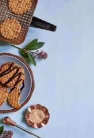 Kraukšķīgās vafeles ar kanēli