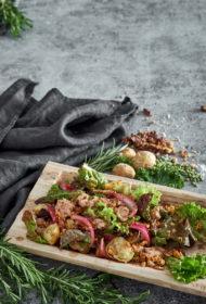Mencu aknu un ceptu kartupeļu salāti