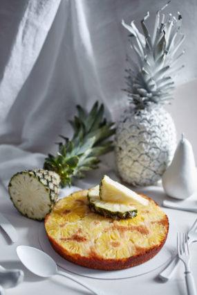 Apgrieztā ananasu kūka