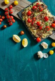 Kvinoja ar grilētu baklažānu un ķiršu tomātiem
