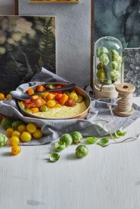 Siera putra ar krāsnī ceptiem dārzeņiem
