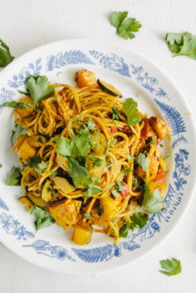 Karija mērce ar spageti