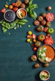 Krāsnī ceptu tomātu zupa