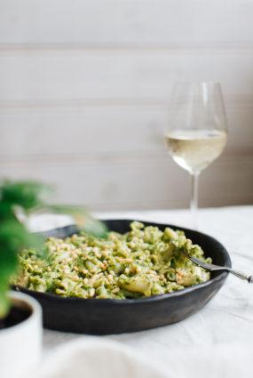Pasta ar brokoļu mērci
