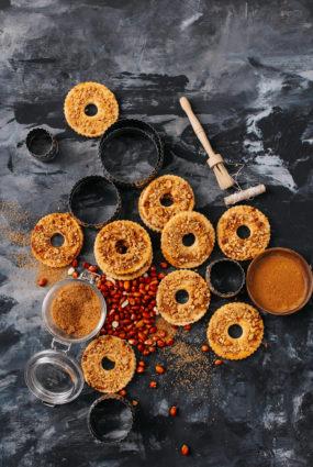 Zemesriekstu un kanēļa gredzeni
