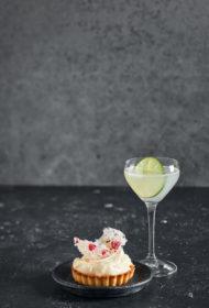 Gimlet kokteilis un ātrā siera kūka