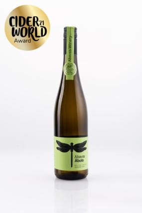 Abavas vīna darītava ieguvusi zelta medaļas konkursā Cider world 2021