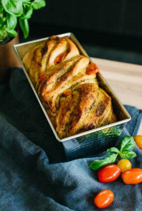Pesto maize ar ķirštomātiem