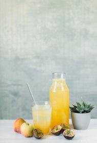 Aprikožu, persiku un marakujas sīrups