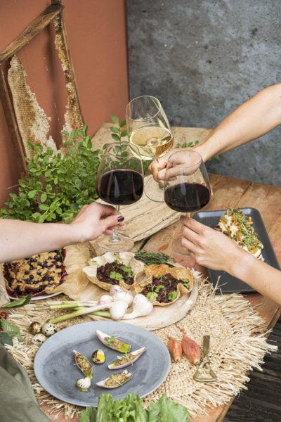 Vīnziņa ieteikuma grilētu ēdienu saderībai ar vīnu