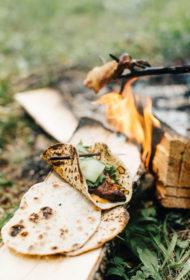 Kebabs ar pašceptu lavaša maizi