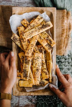 Kartupeļu cepumi ar ķimenēm un sieru