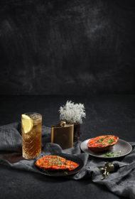 Saldais kartupelis ar čili un medu